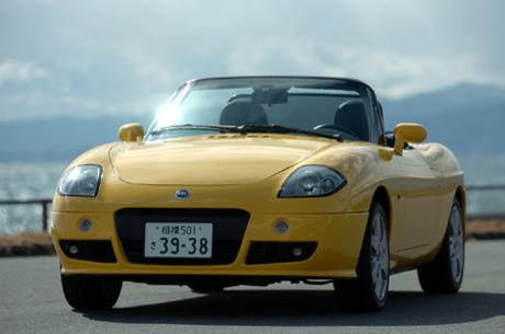 フィアット・バルケッタ(FF/5MT)/ヒュンダイ・クーペ(FF/4AT)「輸入車の祭典」JAIAは、「日陰のモデル...