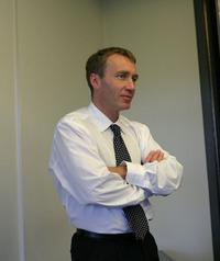 テクニカルディレクターのボブ・ベル。アロンソについては「フレキシブル」だとその能力をホメてました。