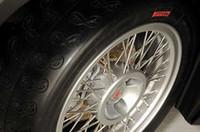 ブレンボ製ブレーキ。スポークホイールはボラーニ(ルオーテ・ミラノ)製。