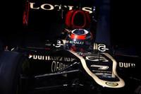 予選2位のライコネンも、アロンソ同様にソフトタイヤでスタート。途中、マクラーレンのセルジオ・ペレスと接触しマシンを壊したがそのまま走行を続け、優勝した開幕戦に次ぐポディウムとなる2位でフィニッシュした。(Photo=Lotus)