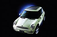 「MINI」に、発売1周年を記念した限定モデルの画像