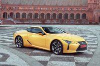 「レクサスLC」には、5リッターV8エンジンを搭載した「500」(写真)と、ハイブリッド車の「500h」の2モデルがラインナップされる。