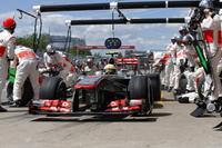 マクラーレンのカナダGPはまったくいいところなし。セルジオ・ペレス(写真)は予選12位から2ストップで11位、バトンは14番グリッドから1ストップで12位、2台とも無得点。レース後、2011年のカナダGPウィナーであるバトンは「苦痛に満ちた日」と振り返った。この強豪チームの前途は多難のようである。(Photo=McLaren)