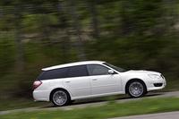 【スペック】ツーリングワゴン 2.0GT Spec.B:全長×全幅×全高=4680×1730×1425mm/ホイールベース=2670mm/車重=1500kg/駆動方式=4WD/2.0リッター水平対向4DOHC16バルブ ツインスクロールターボ付き(280ps/6400rpm、35.0kgm/2400rpm)/価格=329万7000円(テスト車=379万5750円/クリアビューパック+UVカット機能付濃色ガラス+ビルトインHDDナビゲーションシステム+マッキントッシュ・サウンドシステム=49万8750円)