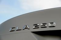 「Aクラス」や「Bクラス」とFFシャシーを共有する「CLAクラス」。日本には「CLA180」「CLA250」「CLA250 4MATIC」の3種類が導入される予定。