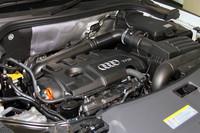 搭載される2リッター直4ターボエンジンは、170psと211psの2つの仕様が用意される。まず211ps仕様が先に導入され、170ps仕様は今秋の納車となる。