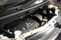 エンジンは、「アウトランダー」譲りの2.4リッター直4のみ。