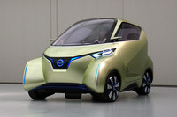 新型コンセプト「日産PIVO3」お目見え【東京モーターショー2011】の画像