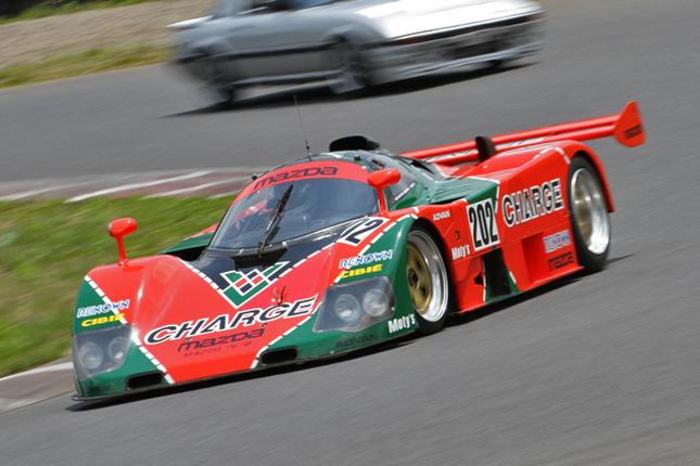 デモランの目玉の1台である、1989年のルマンで9位に入賞した「マツダ767B」。91年のルマンで総合優勝を果たした「787B」も、走行はしなかったがパドックに展示されていた。