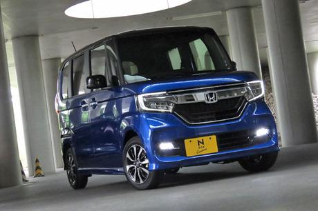 軽乗用車初のシーケンシャルウィンカーなど、他のモデルにはないディテールが目を引く新型「ホンダN-BOXカ...