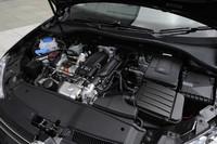 1.2リッターターボエンジンを搭載する「ゴルフヴァリアントTSIトレンドライン」に試乗。JC08モード燃費は19.0km/リッター。