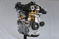 新開発の1.2リッター直4直噴ターボエンジン「8NR-FTS」。