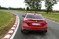 「クアドリフォリオ」はアルファのロードカー史上最強の510psを誇る。