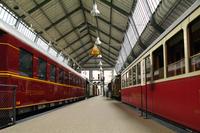 ホール2のテーマは「旅」。交通手段が発達し、大量輸送が可能になった19~20世紀の旅行文化に焦点を合わせ、さまざまな陸上交通を展示している。