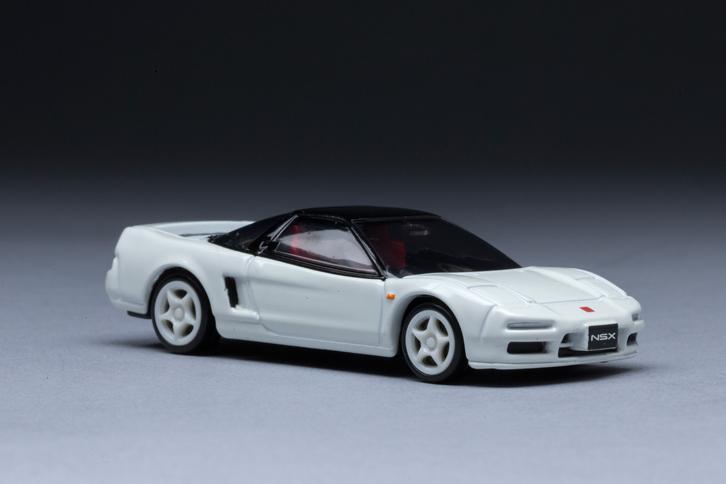 「ホンダNSX」は、1990年に登場したミドシップレイアウトの高性能スポーツモデルである。(写真=郡大二郎)