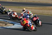 全日本ロードレース選手権を競う「CBR1100RR」「CBR600RR」によるエキシビジョン走行。