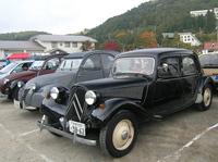 シトロエンは今年特別展示車が3台あった。「11CV」は3台も。