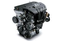 アウトランダーに搭載される、「4B12」型のMIVECエンジン(2.4リッター/170ps)。