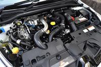 「ルーテシアR.S.トロフィー」の1.6リッター直4エンジン。ターボで過給され、最高出力220psを絞り出す。