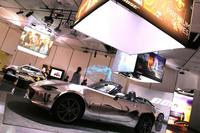 ボーズ・オートモーティブのデモンストレーション会場。「プレミアムシリーズ」を搭載したデモカーには、同社のサウンドシステムが採用されている新型「マツダ・ロードスター」が充てられていた。