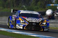予選トップからスタート、GT500クラスで初勝利を手にしたNo.19 WedsSport ADVAN RC F(関口雄飛/国本雄資)。