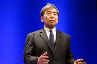 今回の発表会で、「人を中心としたクルマづくり」の歴史について説明したスバル技術本部の武藤直人本部長。