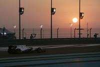 小林可夢偉の最終戦は、予選12位、レースではピットストップのタイミングを遅らせ一時4位を走行したが、タイヤ交換後に順位を挽回できず、14位に終わった。フル参戦1年目で年間入賞回数は8回、チャンピオンシップ12位。チームメイトをしのぎ、ザウバーをけん引するポジションにまで成長した。来季も同じスイスのチームでさらに上を目指す。(写真=Sauber)