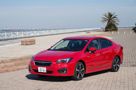 新型「スバル・インプレッサ」のセダンモデル「G4」に試乗。販売の主力となっているハッチバックモデルでは...