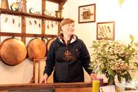 アグリトゥリズモの中には、昔の家庭用品や農機具がいっぱい。