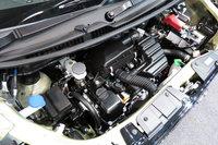 「ワゴンR ハイブリッドFX」のエンジン。「S-エネチャージ」をベースとしたマイルドハイブリッドシステムが搭載される。
