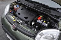 0.9リッター、正確には875ccの直2ターボエンジンは85psを発生する。JC08モード燃費は15.5km/リッター。