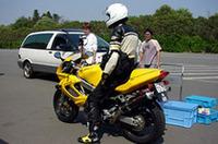バイクによる実験も行われた。こちらはカメラではなく、PDAを使っての通信を担当した