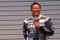 「一番の問題はドライバーのウェイト。今、112~3kgぐらいありますから」と語る山﨑氏。