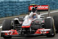 予選3位のバトンは、レース序盤、ルイス・ハミルトンとともにマクラーレン1-2フォーメーションをかたちづくった。終盤に降った雨に乗じてハミルトンを抜きトップに立ち、以後難しいコンディションで踏ん張りをきかせ、カナダGPに次ぐ今季2勝目をあげた。(Photo=McLaren)