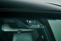 フロントウィンドウに備えられた「Toyota Safety Sense C」のセンサー。