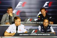 1980年代初頭に勃発したFISA vs FOCA対決の再来か。統括団体FIAとチーム団体FOTAは、2010年のコスト削減規定を巡り対立。ついにはFOTA系8チームは来季F1から離脱し、独自の新シリーズを立ち上げることを表明した。FIA側は妥協案により折り合いがつくとみているが、FOTAはいまのところ強硬姿勢を堅持している。なお既存10チームのうち、FIA案に賛成の手を挙げたウィリアムズとフォースインディアはFOTAのメンバーだがその立場は保留状態とされている。(写真=Red Bull Racing)