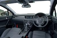 インテリアの様子。セダン、ワゴンとも日本仕様車は右ハンドル仕様のみとなる。