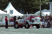 【Movie】初優勝の「パリダカ・パジェロ」で増岡浩、しみじみ〜モータースポーツ・ジャパン2006(パリダカ編)の画像