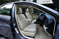 テスト車では白系の内装色「フラクセン」が選択されていた。
