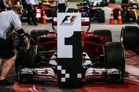 F1第3戦バーレーンGPを制したのは、フェラーリを駆るセバスチャン・ベッテル。開幕戦に次ぐ今季2勝目を飾り、単独でポイントリーダーとなった。(Photo=Ferrari)