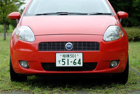 """フィアット・グランデプント1.4 16V スポーツレザー(FF/6MT)……224.0万円フィアット・プントの""""後継車..."""