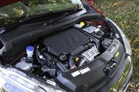 1.2リッター直3エンジンは自然吸気からターボ付きへ(82ps→110ps)。JC08モード燃費は18.2km/リッター。