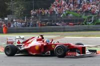 予選はリアのアンチロールバーのトラブルで10位に沈んだポイントリーダーのフェルナンド・アロンソ(写真)。レースでは順調にポジションアップし2位まで躍進するも、ペレスに抜かれ結果3位。ダメージ最小化が最大の目標だったが、フタを開けてみればポイント差は24点から37点に拡大していた。チームメイトのフェリッペ・マッサは予選3位から、タイヤのデグラデーションに悩まされながら4位完走。好走を披露したが、2010年以来遠ざかっている表彰台には一歩届かず。(Photo=Ferrari)