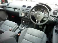 VW、新型「ゴルフトゥーラン」を発表