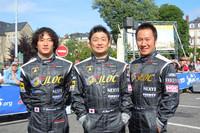 日本チームとして唯一参戦しているのが、JLOC(日本ランボルギーニオーナーズクラブ)。日本のSUPER GTにも参戦する(写真左から)山西康司、余郷敦、井入宏之の3人がステアリングを握る。