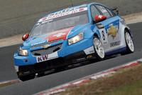 中国などで売られるFF車の「シボレー・クルーズLT」。WTCCには2009年から登場、今年はマニュファクチャラーズタイトルに王手をかけている。