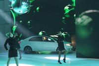 シュコダの発表でもダンスが会場を盛り上げた。