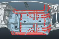 車体については組み立て時における接着剤塗布範囲を拡大することで、剛性を強化している。