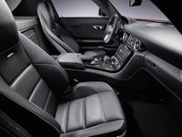 「メルセデス・ベンツSLS AMG」の内装写真を公開の画像