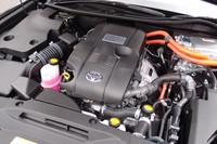 ハイブリッドユニットは、ベースとなるエンジンをダウンサイジング。最高23.2km/リッター(JC08モード)の燃費を実現した。モーターの動力源は、ニッケル水素バッテリー。
